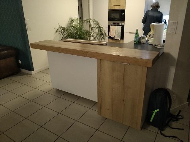 Plan de travail-bar de cuisine à CHALLANS (85)